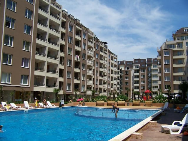 Апартамент в Бургасе, Болгария. - Burgas - Obsługiwany apartament