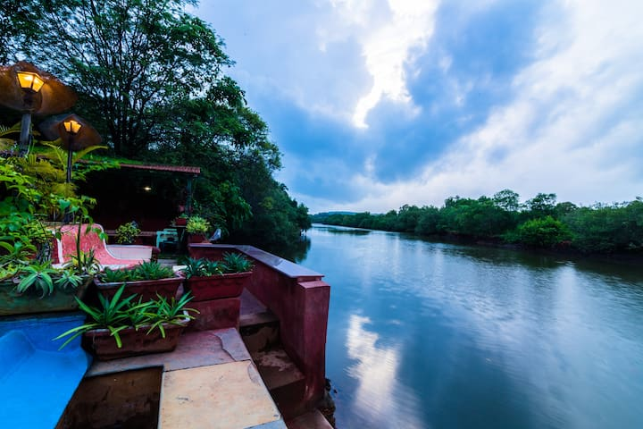 Double Room, riverside BnB in Nerul with Pool