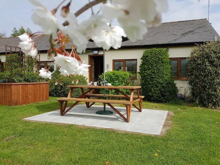 Cherry Tree Cottage Peaceful Kentish Rural Retreat