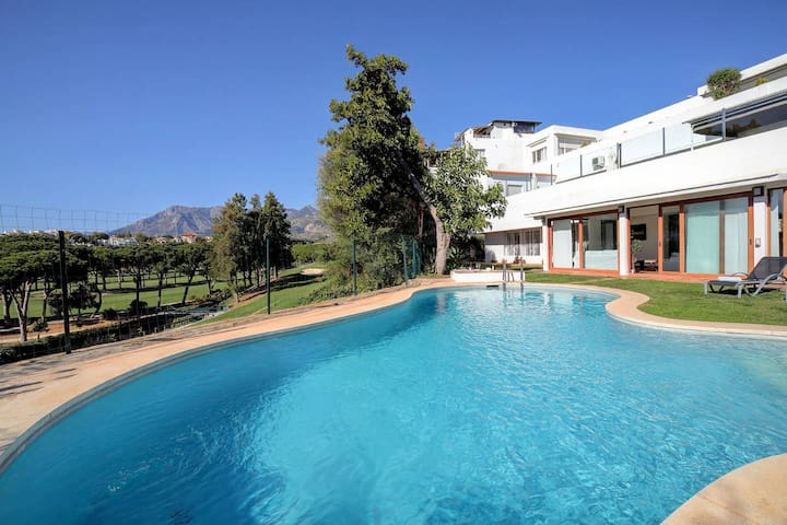 Sunny 5-bed home with garden and private pool