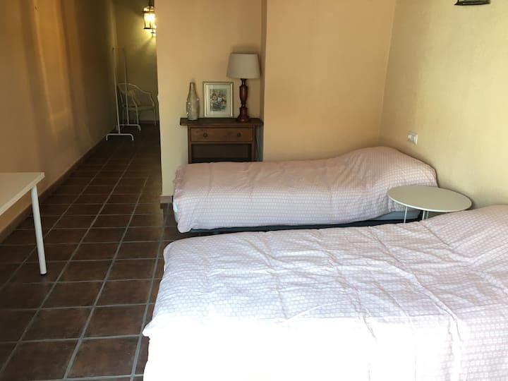 Tweepersoonskamer met eigen badkamer (Anaïs)