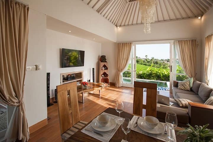Wonderful villa with a view of the rice fields
