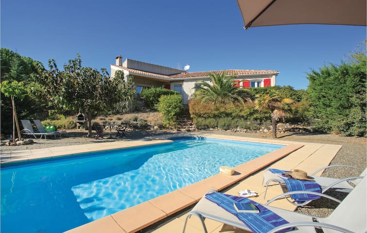 Holiday cottage with 3 bedrooms on 120m² in Prades sur Vernazobre