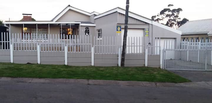 Cosy house in the heart of the tranquil Humansdorp