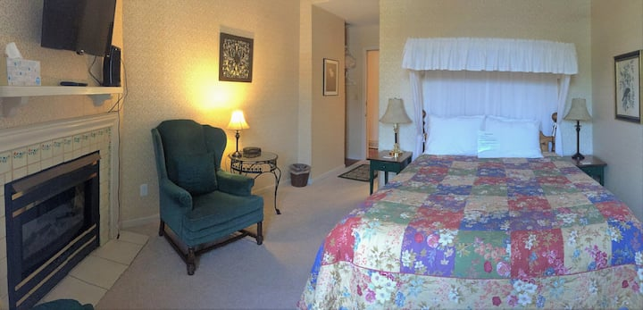 Mrs. B's Historic Lanesboro Inn - Room 4