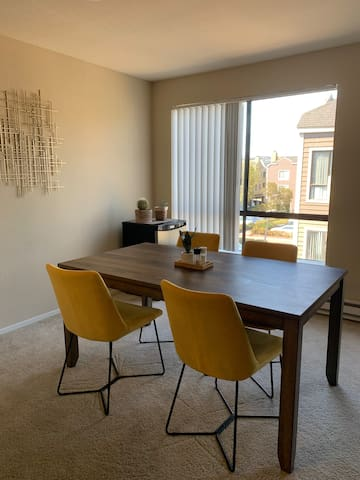 Zen one bedroom in San Mateo on Estuary