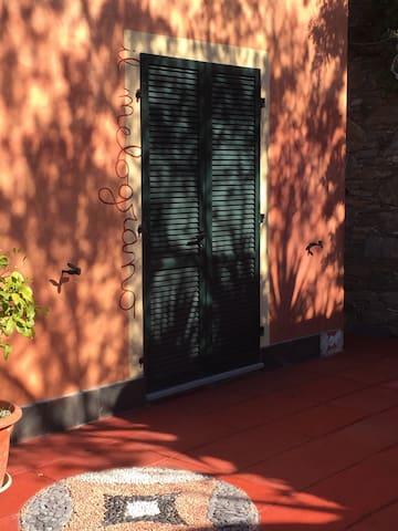 Orange room - Alassio - Huis