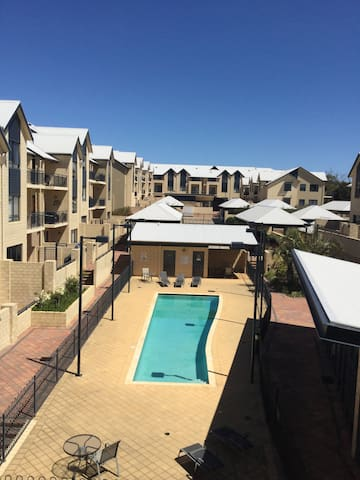 Pool, gym, views, location! Joondalup Apartment.