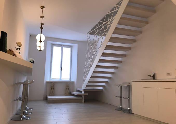Mariarosa Suite, total white flat in Como center!