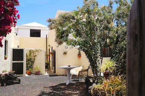 Apartamento Vulkano con jardín y patio en Máguez