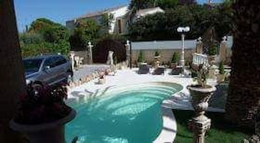 Grand Appartement avec piscine