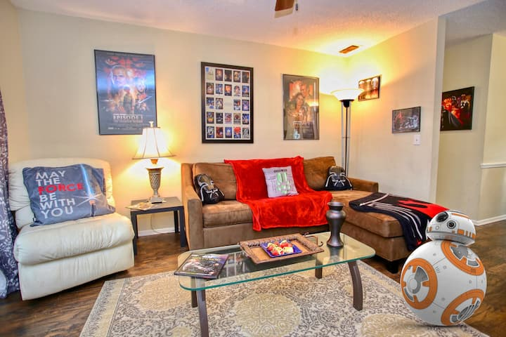 Sleeps 8- Clean & Sanitized - Full House To Yourself - Star Wars