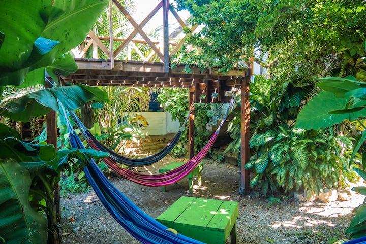 Ciao Cacao Hostel & Cafe Dorm (9 beds)