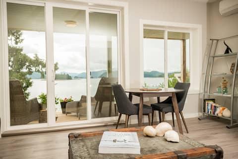 Skyfall Cottage - Oceanside Retreat