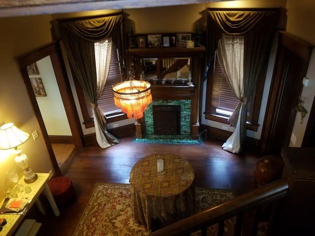 Convenient Charm in Historic Grant Park