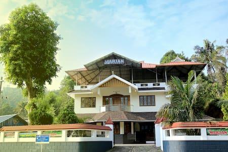 Munnar Marjan Residency
