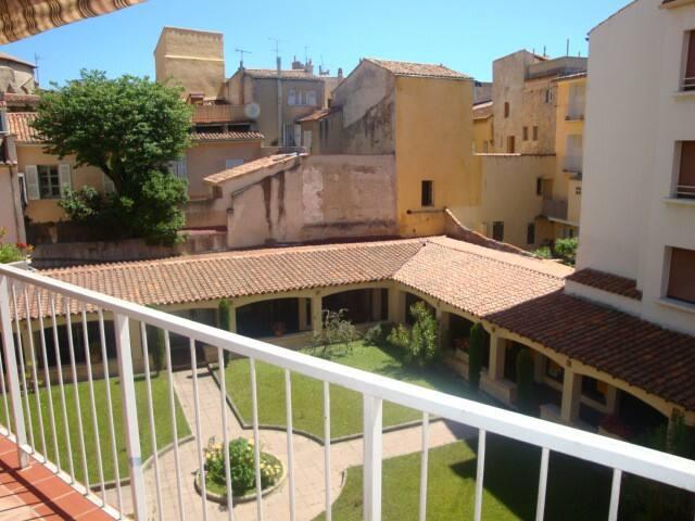 Sunny and calm 4 bedroom apartment - Aix-en-Provence - Apartment