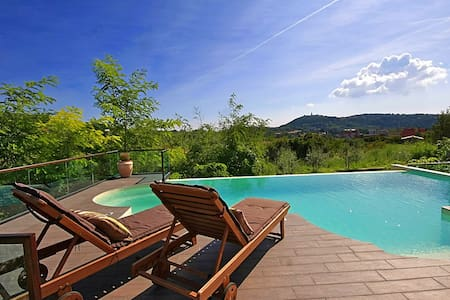 Villa Amneris, great view and pool - Labin