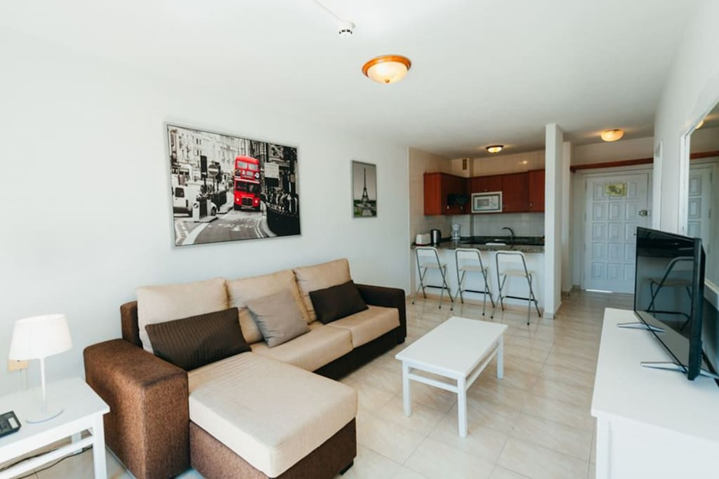 Renovated apartment, decorated modern, spacious and comfortable.
