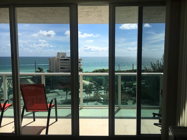 Beautiful ocean view apartment. - Sunny Isles Beach - Pis