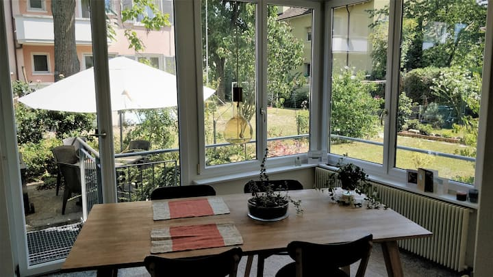 Sunny & spacious flat 10 min. from Basel center