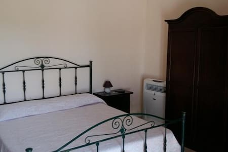 Camera Tripla Pesca - Rotondella - Bed & Breakfast