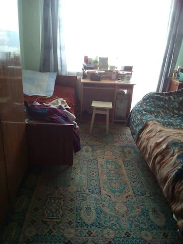Свободная комната для гостей  , с 1-го мая!