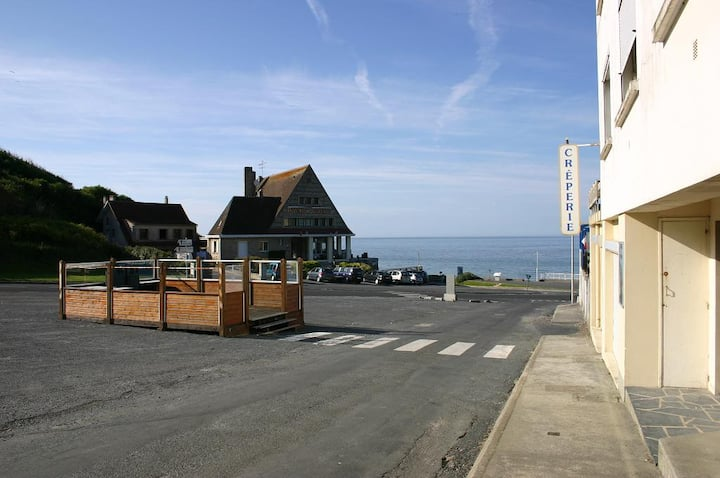 OMAHA BEACH FRONT  Vierville sur mer, France