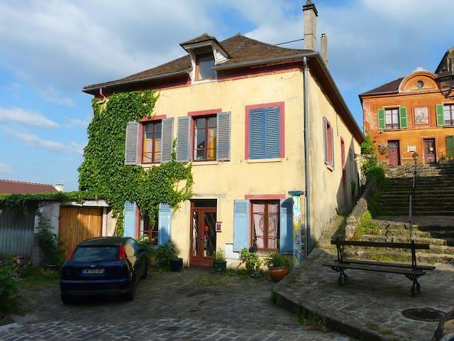 la maison jaune - Gometz-le-Châtel