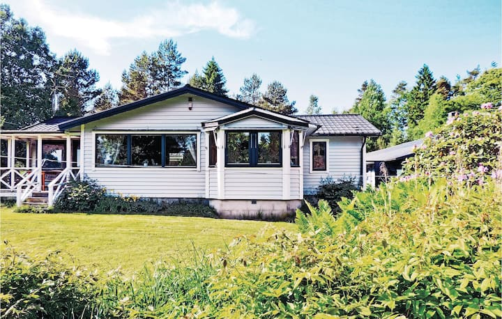 Holiday cottage with 8 bedrooms on 450m² in Laholm