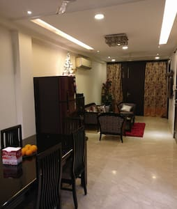 Shared Room with all amenities in South Delhi - New Delhi