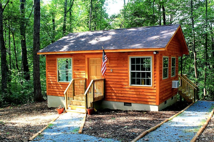 Yadkin Valley Vineyard Cabin-cozy & private