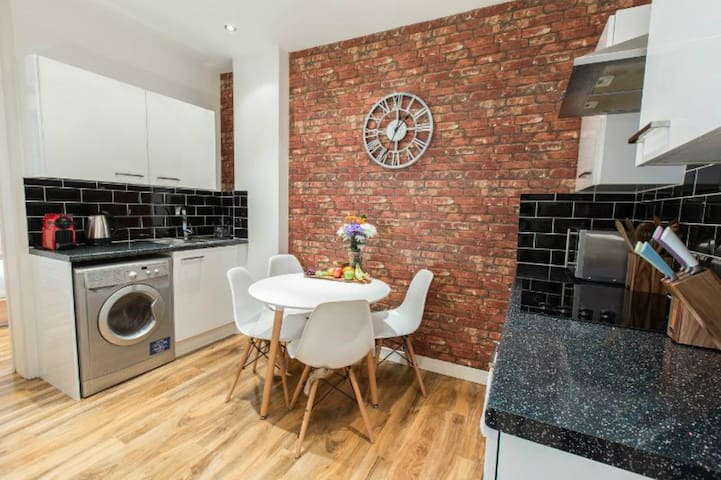 *****Best Location 2Bed Covent Garden London*****