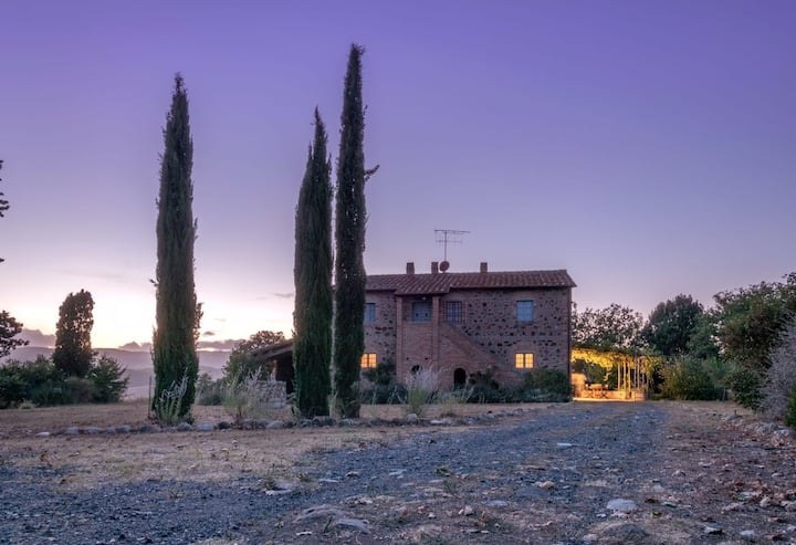 Montegemoli - il Felciaio, farmhouse with pool