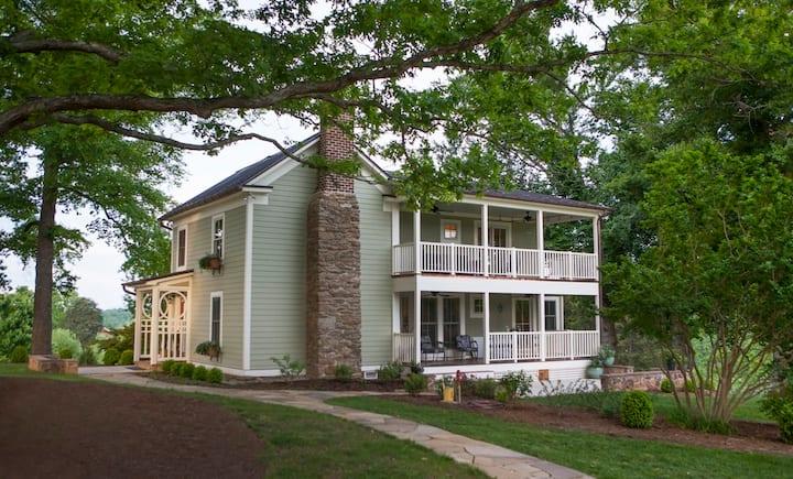 Elegant Farmhouse as Whole House or Single Bedroom