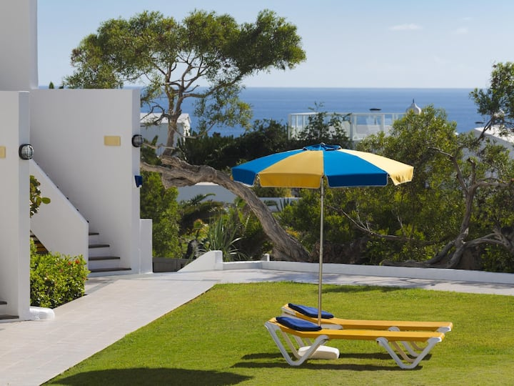 Charco del Palo apartments no. 25, only 170 from the sea in complex with pool