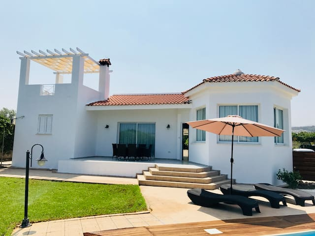 Alexia luxury 3 bedroom & swimming pool villa