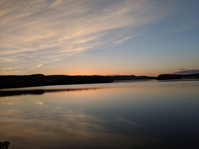 Chalet sur un domaine privé au bord du Lac Taureau