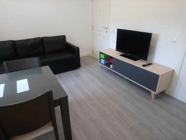 Apartamento con terraza y Parking privado