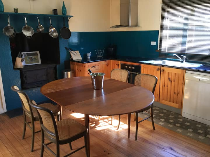 Maureen's Place-  Adaminaby All Year Accommodation
