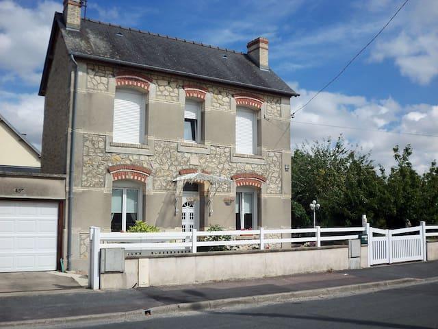 Maison dans un quartier très calme - Caen - Hus