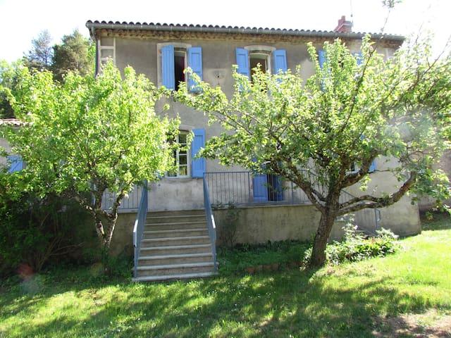 Un grand gîte situé en sud-Aveyron - Saint-Affrique - Huis