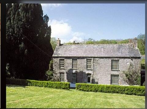 The Farmhouse at Kelly Green