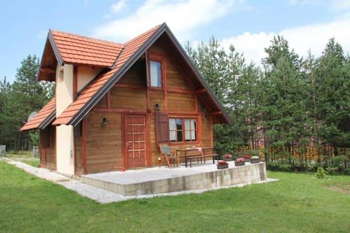 Brvnara Magnolija - Zlatibor - กระท่อม