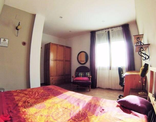 Completísima habitación con preciosas vistas