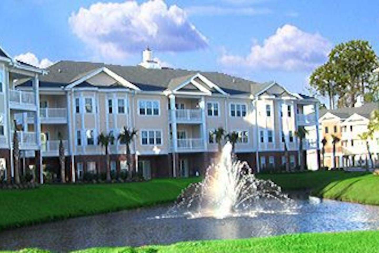 Tupelo Bay 1500 building - 1501 is 1st floor unit on the very right end of the building w/ patio