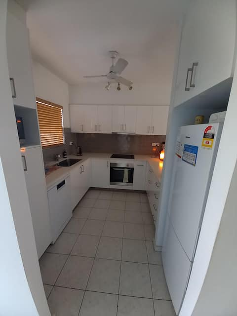 Fully Furnished Apartment close to the City
