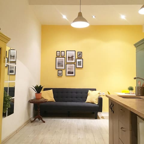 Urban Fresh Designed Studio, 5 Mins from the Beach