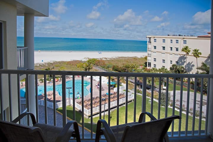 2 Bedroom - Relaxing Gulf Views