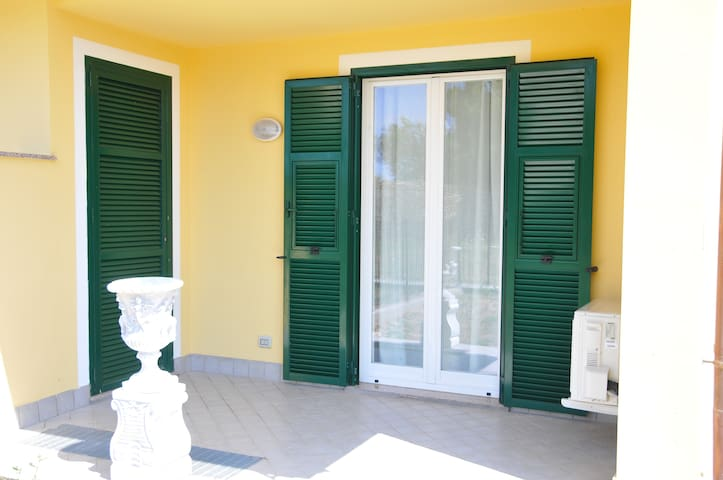 Apt with garden near Cervo beaches (5 APP ISANNA)